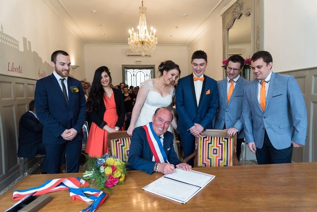 mairie-signature-ceremonie-officielle-mariage