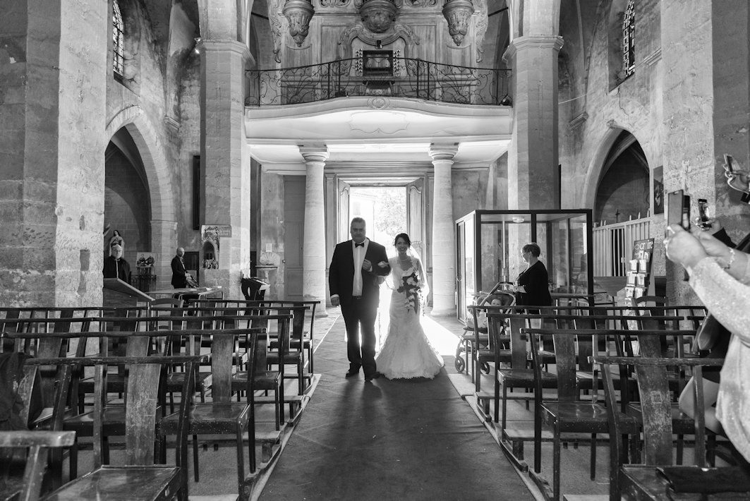 eglise-provence-mariage-celebration-kimcass